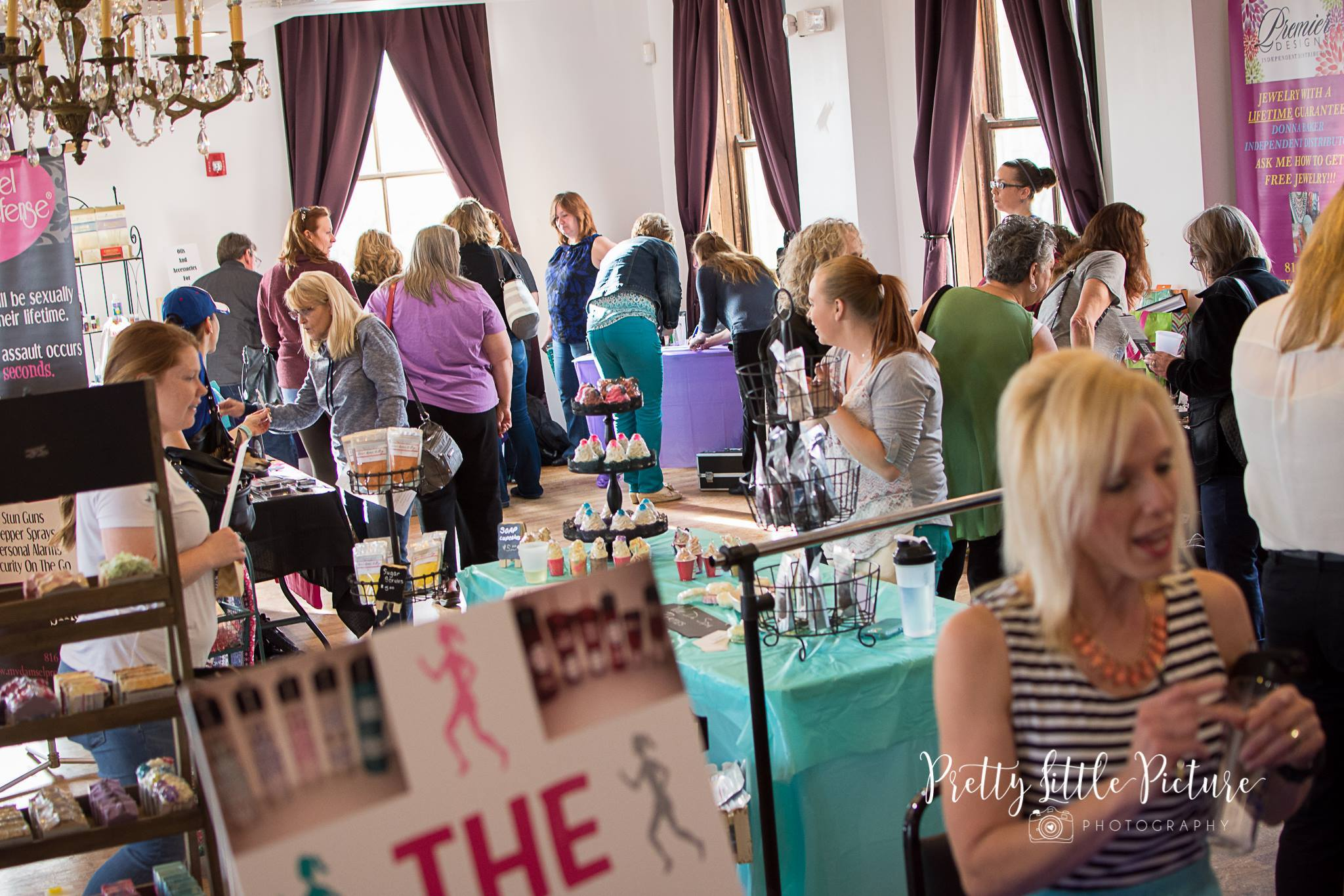 KC Ladies Night Out Shopping Event at Deer Creek